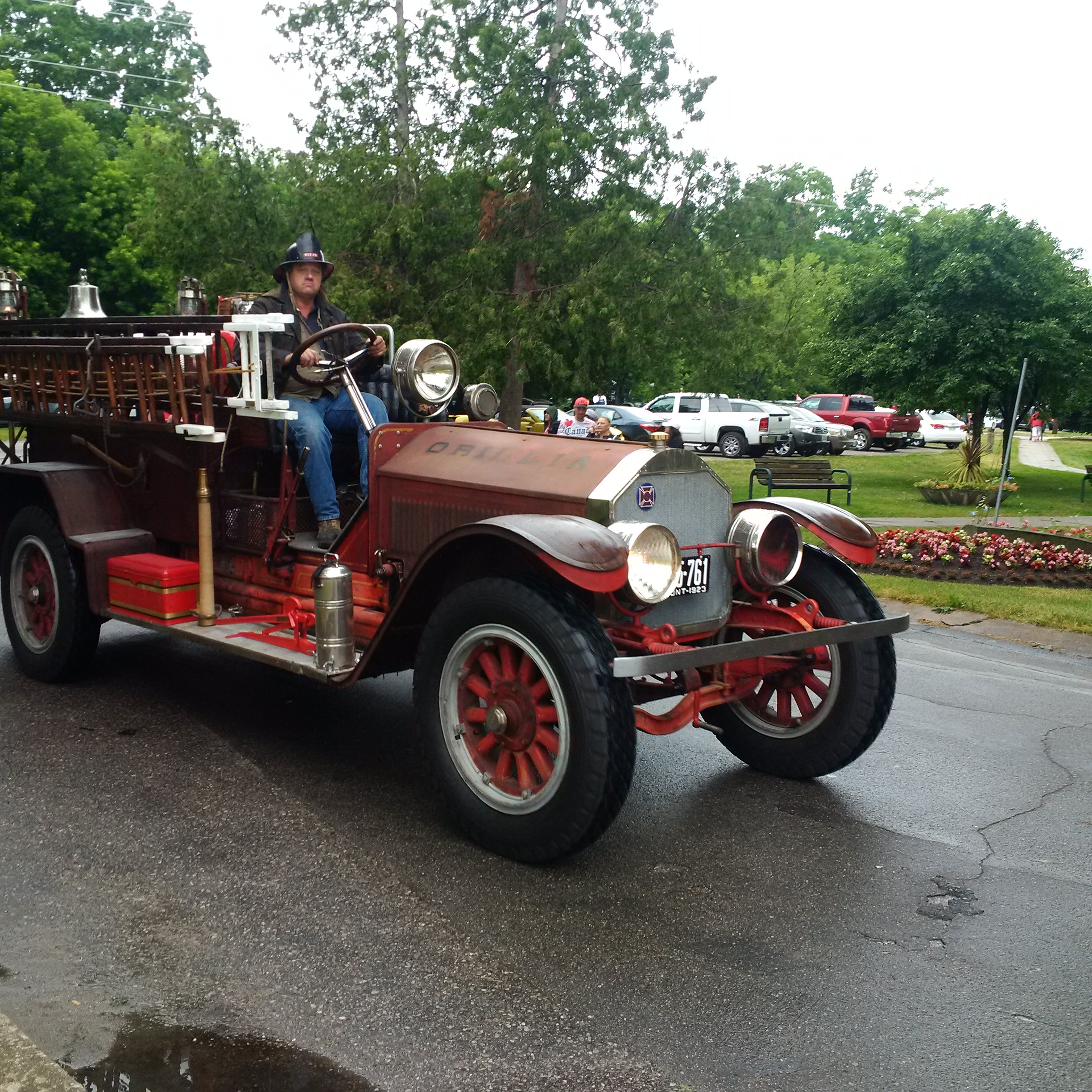 Orillia (ON) Canada  city photos gallery : Thousands came out to celebrate Canada's 149th birthday in Orillia ...