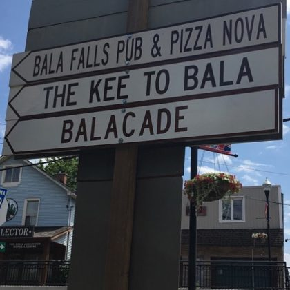 Arrow to the Balacade